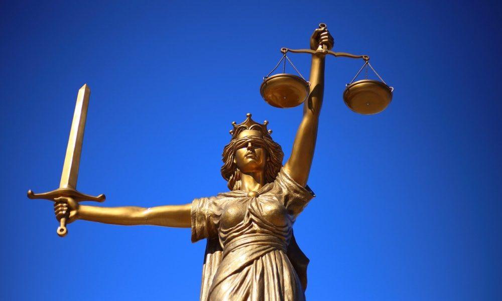 W czym umie nam wspomóc radca prawny? W których sytuacjach i w jakich płaszczyznach prawa pomoże nam radca prawny?