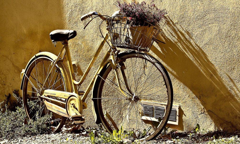 Każdy miłośnik jazdy rowerowej z pewnością wyczekuje, aż wszelakie śniegi i lody odejdą już w zapomnienie.